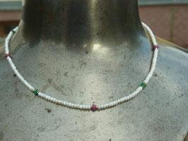 Perlenkette Rubin/Smaragd