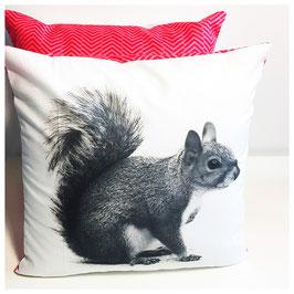 Dekokissen -Eichhörnchen rot- 25cm x 25cm