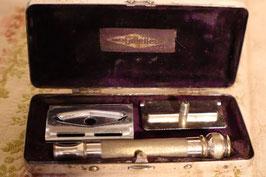 Rasoir Gillette dans sa boîte