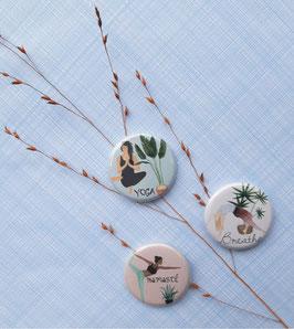 3 magnets / Badges Yoga