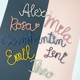 Schriftzug aus Papierstrick