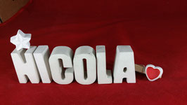 Beton, Steinguss Buchstaben 3D Deko Namen NICOLA als Geschenk verpackt mit Stern und Herzklammer!