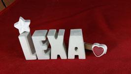 Beton, Steinguss Buchstaben 3D Deko Namen LEXA als Geschenk verpackt mit Stern und Herzklammer!