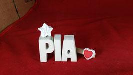 Beton, Steinguss Buchstaben 3D Deko Namen PIA als Geschenk verpackt mit Stern und Herzklammer!