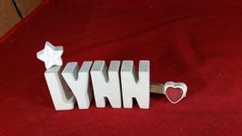 Beton, Steinguss Buchstaben 3D Deko Namen LYNN als Geschenk verpackt mit Stern und Herzklammer!