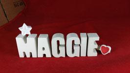 Beton, Steinguss Buchstaben 3D Deko Namen MAGGIE als Geschenk verpackt mit Stern und Herzklammer!