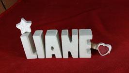 Beton, Steinguss Buchstaben 3D Deko Namen LIANE als Geschenk verpackt mit Stern und Herzklammer!