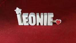 Beton, Steinguss Buchstaben 3D Deko Namen LEONIE als Geschenk verpackt mit Stern und Herzklammer!