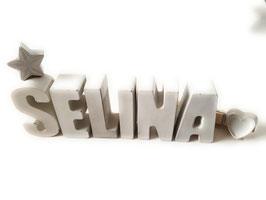 Beton, Steinguss Buchstaben 3D Deko Namen SELINA als Geschenk verpackt mit Stern und Herzklammer!