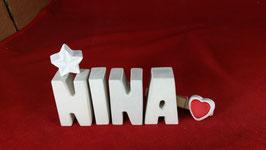 Beton, Steinguss Buchstaben 3D Deko Namen NINA als Geschenk verpackt mit Stern und Herzklammer!