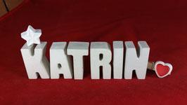 Beton, Steinguss Buchstaben 3D Deko Namen KATRIN als Geschenk verpackt mit Stern und Herzklammer!