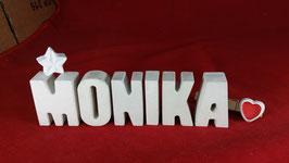 Beton, Steinguss Buchstaben 3D Deko Namen MONIKA als Geschenk verpackt mit Stern und Herzklammer!