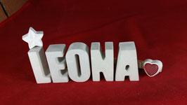 Beton, Steinguss Buchstaben 3D Deko Namen LEONA als Geschenk verpackt mit Stern und Herzklammer!
