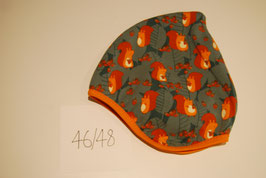 56 Helmmütze mit Fleecefutter, Eichhörnchen auf Grau