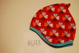51 Helmmütze mit Fleecefutter, Glücksklee auf Rot