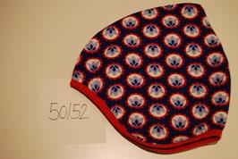 67 Helmmütze mit Fleecefutter, Blumen auf Dunkelblau