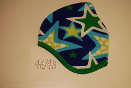 55 Helmmütze mit Fleecefutter, Sterne in blau- und grüntönen