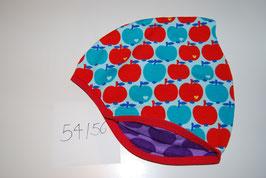 41 Helmmütze, Äpfel Rot und Blau auf Hellblau