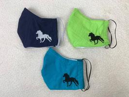 Textilmaske aus 30% Polyester & 70% Baumwolle *Uni Smaragdgrün* mit Stickerei Tölter in *Schwarz*