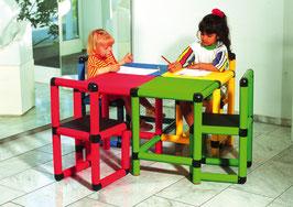 Spieltisch mit 4 Stühlen