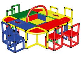 Spieltisch mit 8 Stühlen