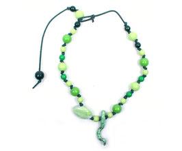 Kinder-Halskette mit grünen Kugeln und Keramik