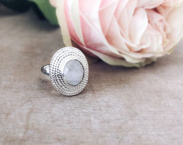 Ring silber mit Regenbogenmondstein