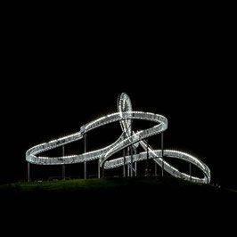 Tiger and turtle bei Nacht