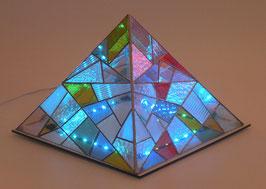Lampe pyramide Tiffany motif abstrait avec jeux de lumière LED