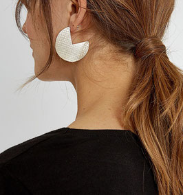 People Tree: Segment Earrings, silberfarben