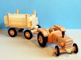 Traktor und Langholz-Anhänger