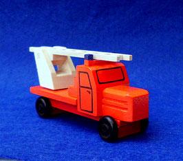 Erzgebirgisches Holzspielzeug Miniatur Feuerwehr-LKW mit Drehleiter