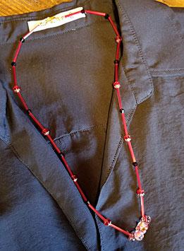 チェコビーズの赤いネックレス