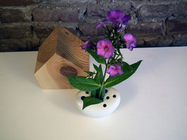 Vase Herzform mit Blütenlöchern