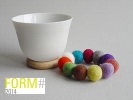 YOU Biskuitporzellan Teeschale/ Dipschale auf Filzring + Holzring