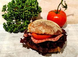 Bürlisandwich mit Salami