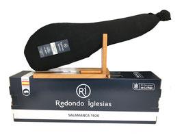 Box Paleta Ibérica de Cebo, Pata Negra. 18+ maanden gerijpt. Met kous, hamhouder en mes. 4,5 a 5 kilo.