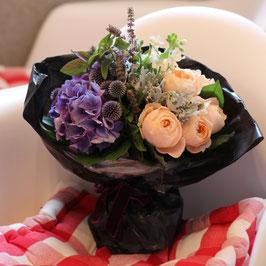 薔薇と紫陽花のフラワーブーケ M