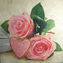 """Салфетка """"Нежные розы с сердцем"""""""