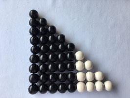 Ma15: Schwarz-Weiße Perlentreppe