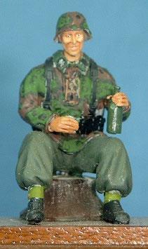 Grenadier sitzend