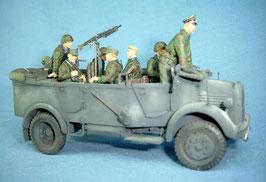 Gefechtsfahrzeug-Besatzung (7 Figuren) für Schweren Einheits-PKW