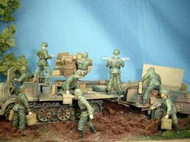 Besatzung für 3,7cm Flak (9 Figuren) auf Sd.Kfz. 6 oder Sd.Kfz. 7