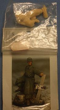 Wehrmachts-Soldat im Mantel
