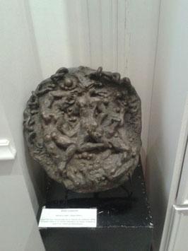 """Pièce sculptée en bronze unique, grand médaillon : """"Trinité"""", signée José Gerson"""