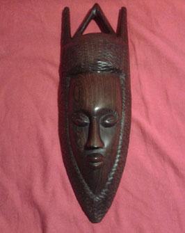 Masque ethnique en bois massif