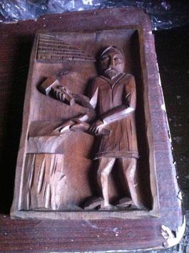 """Tableau sculpture sur bois """"Un Forgeron"""""""