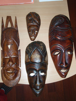 Lot de 4 masques africains