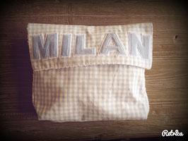 Kulturtasche mit Namen oder Herzverschluss