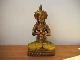 Buddha in Gebetsgeste, sitzend auf Lotus, aus Resin - B19/61